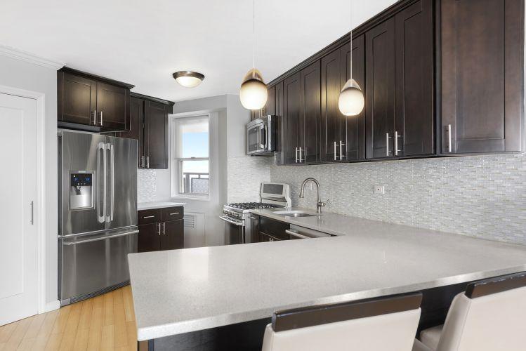 5900 Arlington Avenue Property Image