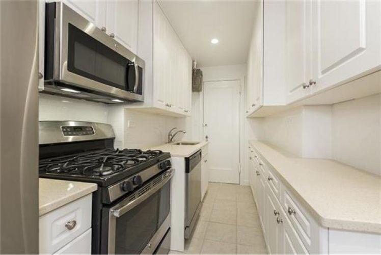 697 West End Avenue Property Image