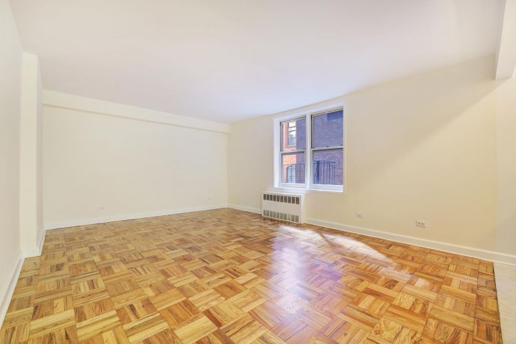 200 East 17th Street Property Image