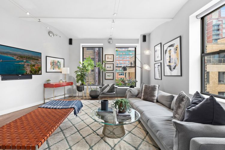 4 West 16th Street Property Image