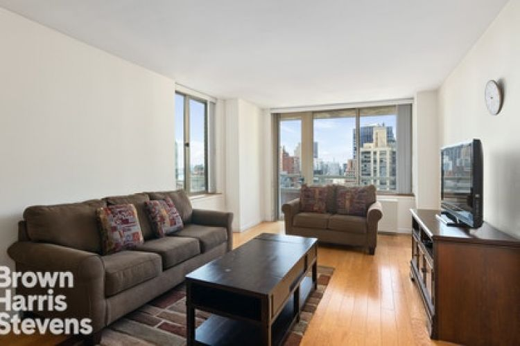 236 East 47th Street Property Image