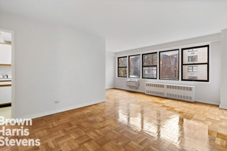 200 East 15th Street Property Image