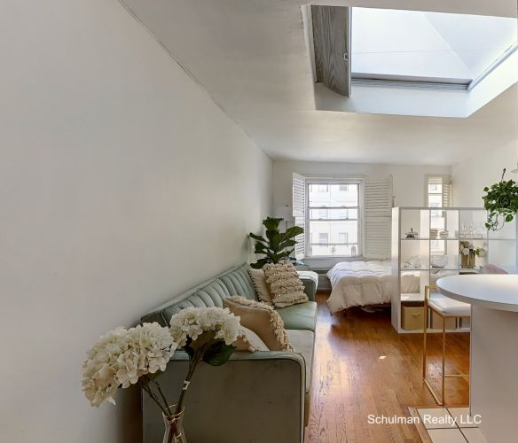 241 Central Park West: Schulman Realty LLC
